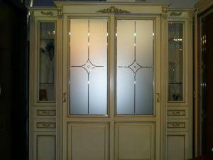 Классический шкаф купе массив с фацетными зеркалами и гравировкой Благовещенск