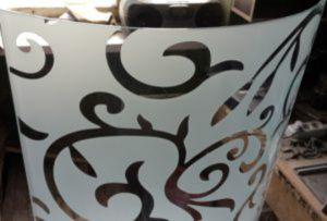 Стекло радиусное с пескоструйным рисунком для радиусных дверей Благовещенск