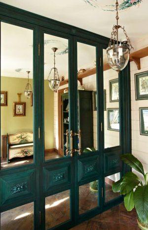 Распашные двери филенкой и декоративными накладками Благовещенск